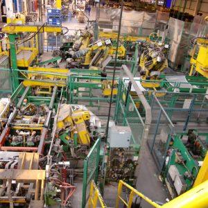 Desmantelamiento selectivo en la planta de Gestamp Automoción en Dueñas
